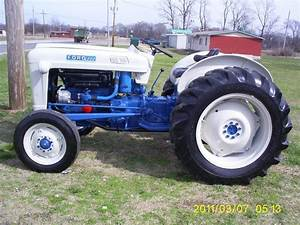 Best 25  Ford Tractors Ideas On Pinterest