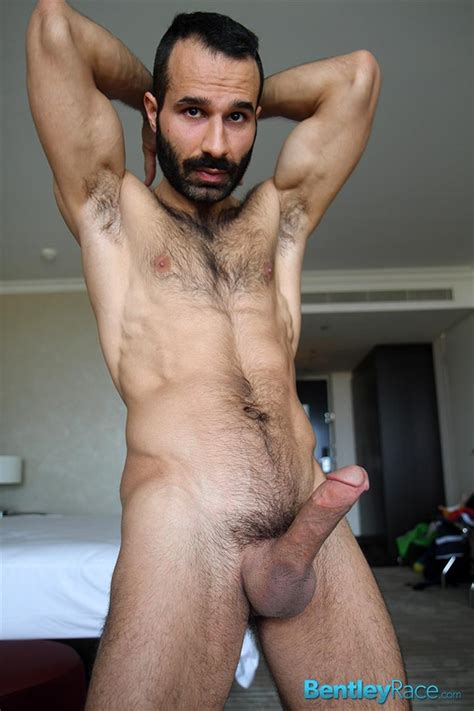Hung Turkish Guy Getting Blown And Jerking Off His Thick