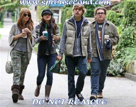 Sweet On Deck Cast Member Dies by Suite Cast Goes To Starbucks Suite On Deck