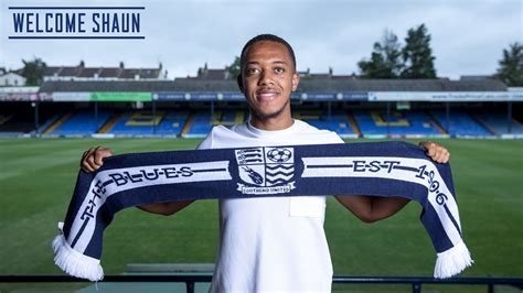 BLUES SIGN HOBSON - News - Southend United
