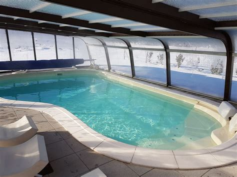 piscine avec siege chalet roseneige gérardmer location de vacances