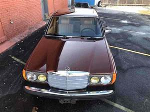 1980 Mercedes-benz 240d Sedan Red Rwd Manual