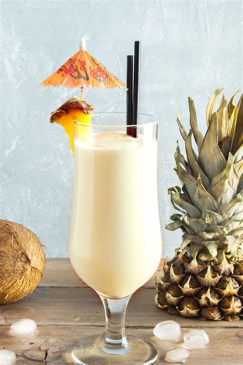 pina colada recipe mix drink classic cocktail mixthatdrink cream pineapple drinks rum juice coconut alcoholic cocktails texture tropical food ingredients
