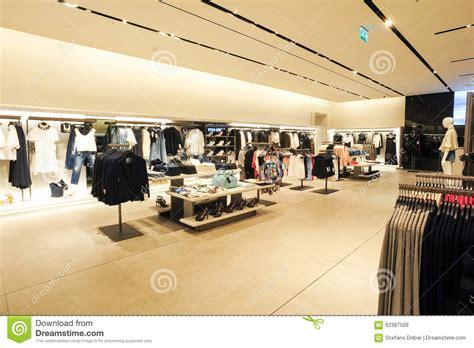 levis siege social intérieur de magasin de vêtements de mode de zara photo