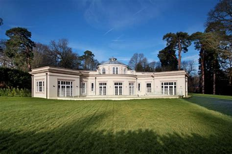 million newly built home  surrey england homes