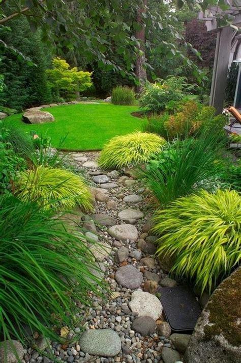 small backyard  space saving decorating  gardening