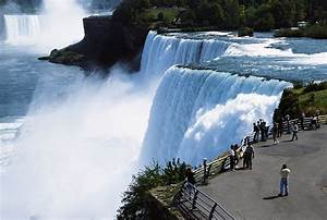 Niagara Falls real visitors flow free wallpaper