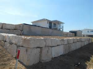Sandstone Boulder Retaining Wall