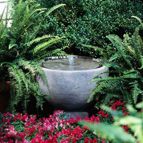 Springbrunnen Für Den Garten by Garten Gestalten Springbrunnen Als Blickfang Im Eigenen