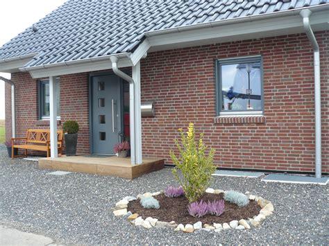 Rote Dachziegel Graue Fenster by Bautagebuch Fronhoven 187 Einfriedung