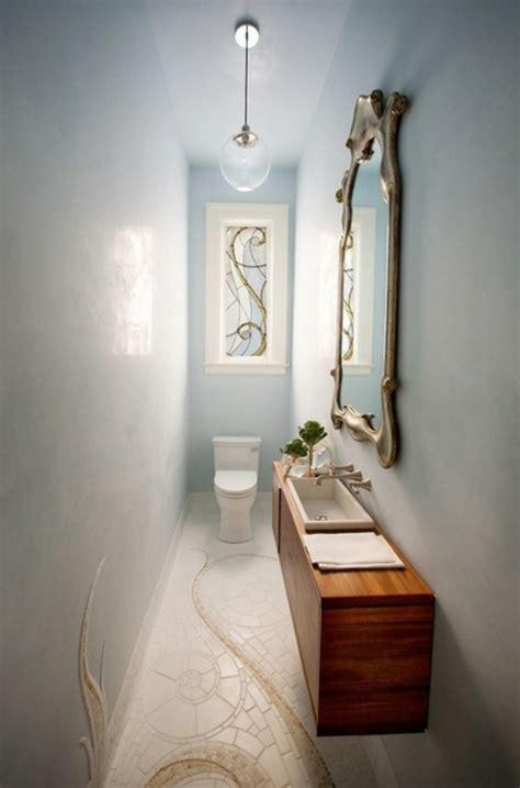 einrichtung klein badezimmer toilette schrank spiegel