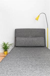 Chaise Longue Confortable : chaise longue confortable dans une maison moderne photo stock image du tissu d corer 31531890 ~ Teatrodelosmanantiales.com Idées de Décoration