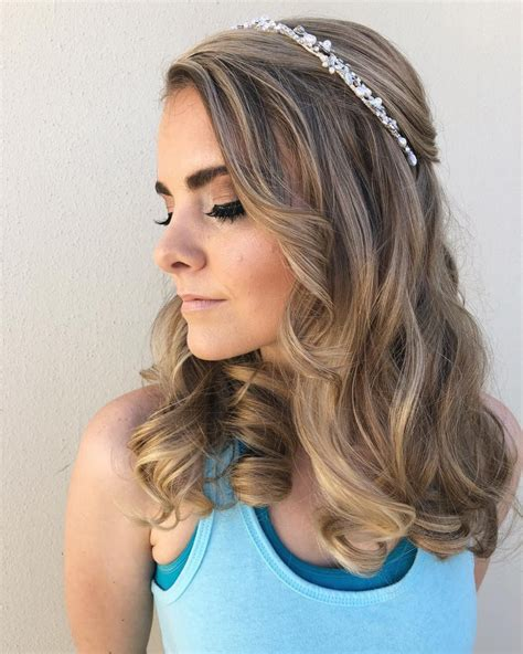 Medium Length Hairstyles by 32 Cutest Prom Hairstyles For Medium Length Hair For 2019