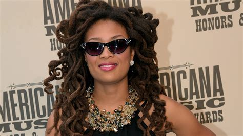 Vintage Folk Singersongwriter Valerie June Radiates