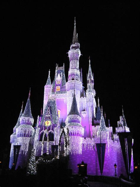 cinderella s castle lights walt disney world