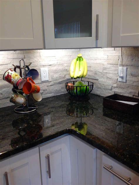 glass tile backsplash kitchen pictures white kitchen backsplash deductour com