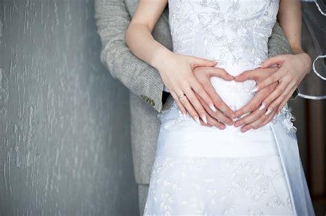 brautmode fuer schwangere styling fuer schwangere