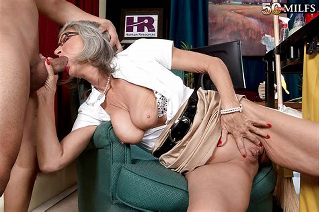 #Older #Wife #Cheyanne #Giving #Her #Husband #Oral #Sex #While