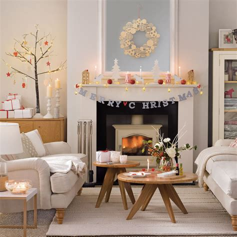 Living Room Decorating Ideas At Low Cost by Budget Decorating Craft Ideas