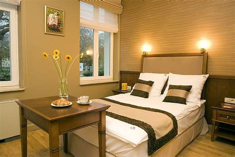 master bedroom ideas for a small room very small master bedroom ideas photos 06 small room decorating ideas