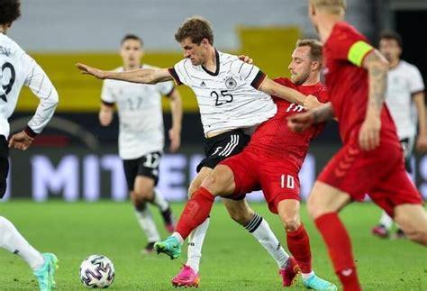 Senere blev hanbåret fra banen. Spiel gegen Dänemark: Warten auf EM-Schub: Löw will an ...