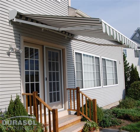 retractablelateral arm awnings