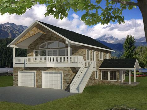 Spectacular Homes With Garage Apartments by 25 Best Ideas About Garage Apartments On