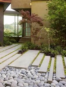 gartengestaltung ideen schoner gartenweg mit steinen und With französischer balkon mit garten gras