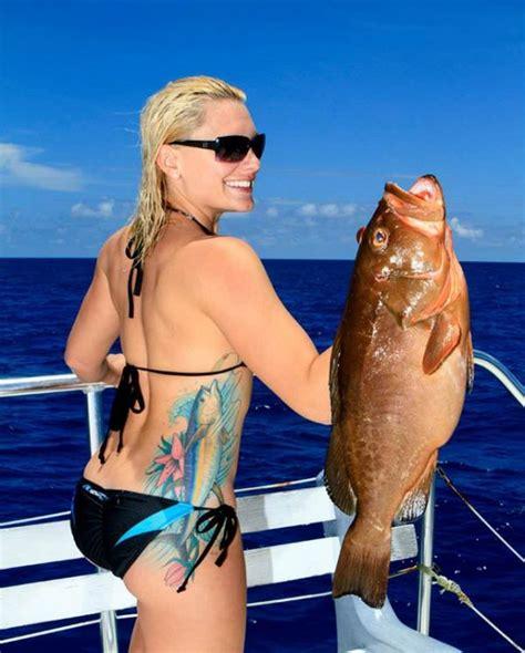 amanda sportfishingmag bikini fishing