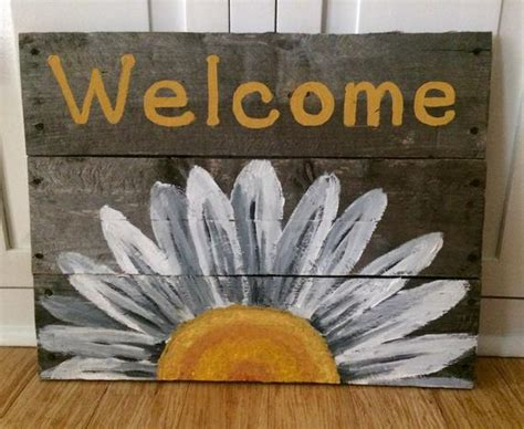 reclaimed wood  sign  white daisy