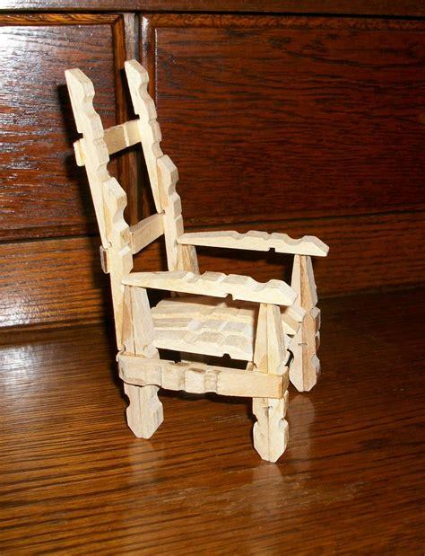 chaise en epingle a linge en bois que faire avec des pinces a linge en bois maison design