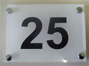 Plaque Numero Maison Design : plaques num ro de rue numero de maison design contemporain moderne plexiglas verre depoli numero ~ Melissatoandfro.com Idées de Décoration