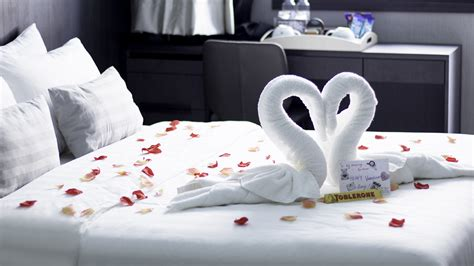 Bedroom Ideas For Honeymoon by Honeymoon Hotel Room Package Singapore Boutique