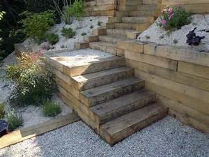 3 moyens dapprivoiser un jardin en pente jardinier conseil for Amenagement exterieur terrain en pente 14 escalier exterieur les perrin
