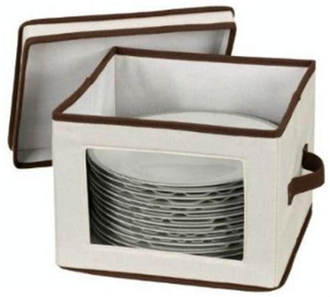 storage  china glassware crystal   store display  properly