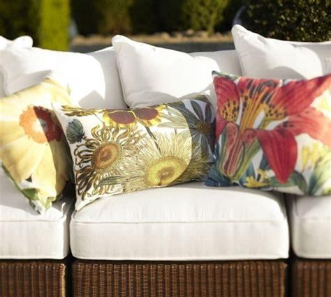 coussin canape jardin coussin extérieur 50 idées splendides pour votre jardin