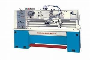 China Bench Type Light Duty Horzontal Manual Lathe Machine