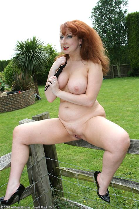 Chubby Wife Strips Outdoors Mature Xxx Pics