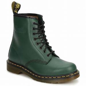 Best 25+ Green dr martens ideas on Pinterest | Dr martins Grunge style winter and Black fishnet ...
