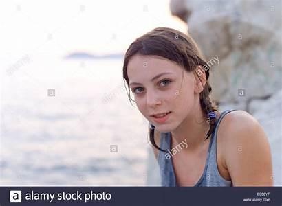 Split Preteen Alamy Topless Ragazza Spiaggia Enne