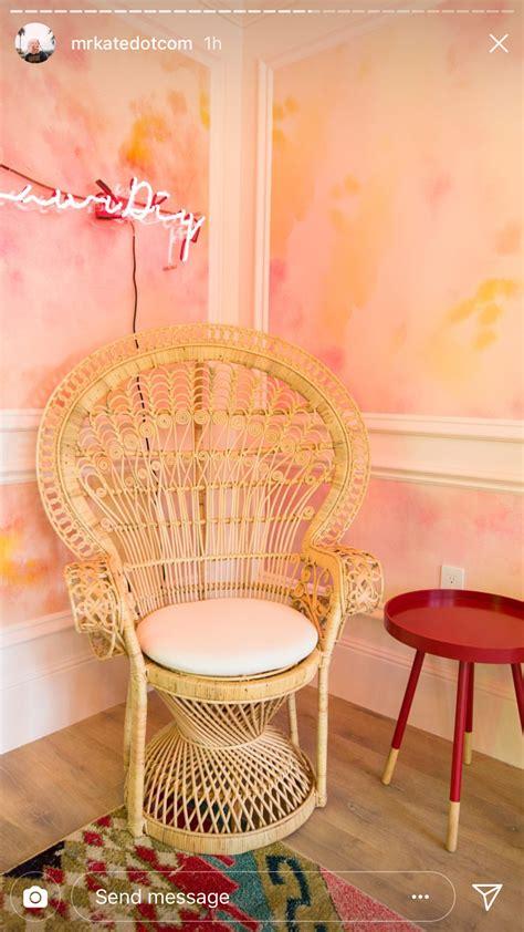 idea  munazza        bedroom seating area