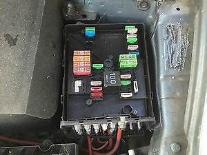 Audi A3 2008-2012 2 0 Tdi Fuse Box  In Engine Bay