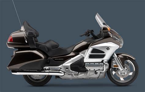 Cbr1000rr And Honda Goldwing by Honda Gold Wing độ Cbr1000rr Repsol Motosaigon