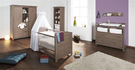 chambre bebe en pin chambre bébé jelka chocolat en massif avec grande armoire