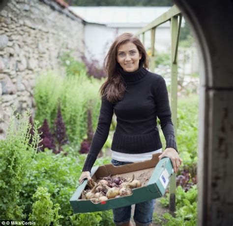 How Gardening Can Make You 16lb Lighter Greenfingered