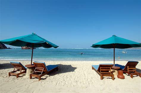 pantai kuta nusa tenggara barat indonesia dreamland