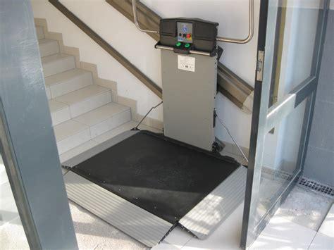 elevateurs pour pmr el 233 vateur sur escalier droit