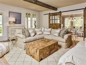 1001 conseils et idees pour amenager un salon rustique With meuble salon noir et blanc 18 la deco de la maison objets en bois archzine fr