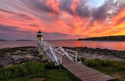 amazing  england lighthouse