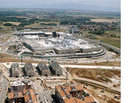 Centro Commerciale Porta Roma by Porta Di Roma Shopping Centre Floornature
